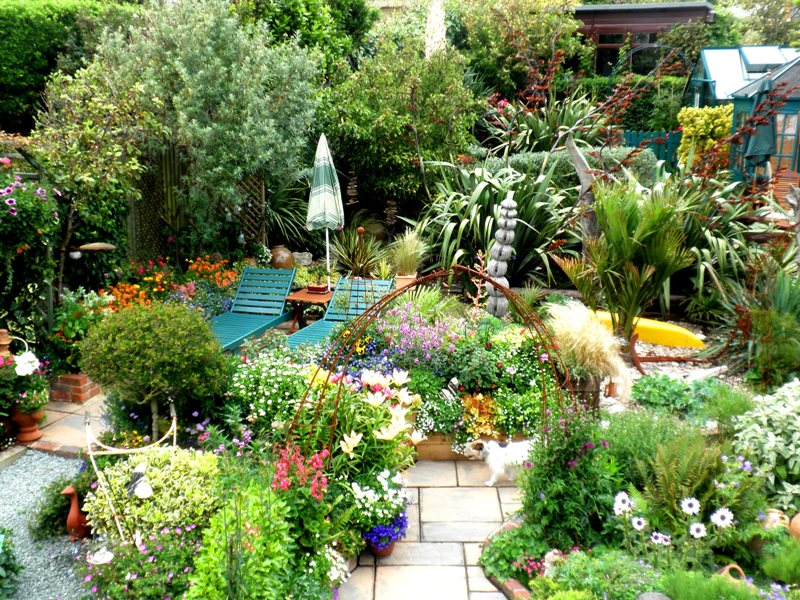 28 Tips For A Small Garden: Geoff Stonebanks